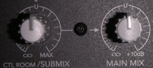 Shows Submix set to U, Set MainMix to Max.
